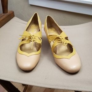 Seychelles Vintage Style Oxford Mary Jane Pumps